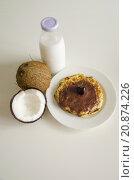 Купить «Cherry coconut pancakes», фото № 20874226, снято 17 октября 2018 г. (c) PantherMedia / Фотобанк Лори