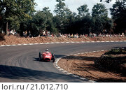 Phil Hill in his Ferrari Dino 246 V Silver City Trophy, 1 August 1960,-inaugural F1 race on newly extended Brands Hatch circuit, non-championship Race of Champions (2015 год). Редакционное фото, фотограф GPL-Geoff Goddard / age Fotostock / Фотобанк Лори