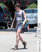 Купить «Lily Collins out and about in West Hollywood Featuring: Lily Collins Where: Los Angeles, California, United States When: 07 Jun 2015 Credit: WENN.com», фото № 21038754, снято 7 июня 2015 г. (c) age Fotostock / Фотобанк Лори