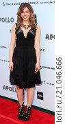 Купить «The Apollo Theater's 10th Annual Spring Gala at The Apollo Theater - Arrivals Featuring: Erin Slaver Where: New York City, United States When: 09 Jun 2015 Credit: Derrick Salters/WENN.com», фото № 21046666, снято 9 июня 2015 г. (c) age Fotostock / Фотобанк Лори