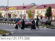 Купить «Торговый центр Беркат в городе Грозном, Чеченская республика», фото № 21171326, снято 7 октября 2015 г. (c) Ольга Шуклина / Фотобанк Лори