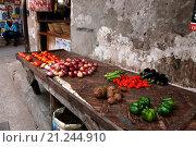 Купить «Торговая улица в Стоун Таун. Занзибар», фото № 21244910, снято 1 января 2016 г. (c) Морозова Татьяна / Фотобанк Лори