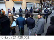 Купить «Belgium police carried out raids and house searches, but arrested no terrorists in muslim area Molenbeek in Brussels.», фото № 21428002, снято 16 ноября 2015 г. (c) age Fotostock / Фотобанк Лори