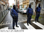 Купить «Belgium police carried out raids and house searches, but arrested no terrorists in muslim area Molenbeek in Brussels.», фото № 21428074, снято 16 ноября 2015 г. (c) age Fotostock / Фотобанк Лори