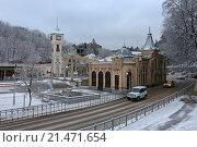 Купить «Заснеженный железнодорожный вокзал Кисловодска зимним утром», эксклюзивное фото № 21471654, снято 20 января 2016 г. (c) Алексей Гусев / Фотобанк Лори
