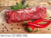 Купить «Сырое мясо, говяжья вырезка с перцем чили», фото № 21683182, снято 28 сентября 2012 г. (c) Сергей Тимофеев / Фотобанк Лори