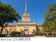 Купить «Admiralty Building in St Petersburg», фото № 21688818, снято 6 июля 2015 г. (c) Наталья Волкова / Фотобанк Лори