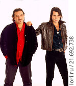 Купить «Italian singer Piero Pelù and Italian guitarist Ghigo Renzulli - members of the band Litfiba - posing together. 1997», фото № 21692738, снято 4 августа 2020 г. (c) age Fotostock / Фотобанк Лори
