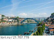 Купить «Dom Luis bridge in Porto, Portugal», фото № 21707778, снято 8 октября 2012 г. (c) Elnur / Фотобанк Лори
