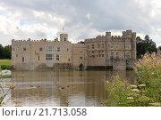 Купить «Замок Лидс, Англия», фото № 21713058, снято 2 сентября 2015 г. (c) Татьяна Крамаревская / Фотобанк Лори