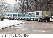 Купить «Колонна полицейских автобусов», эксклюзивное фото № 21760498, снято 3 марта 2012 г. (c) Алёшина Оксана / Фотобанк Лори