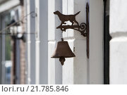 Купить «Spider web on a antique door bell», фото № 21785846, снято 7 декабря 2019 г. (c) PantherMedia / Фотобанк Лори