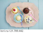 Купить «dessert chocolate straw pastel raspberry», фото № 21789442, снято 21 октября 2019 г. (c) PantherMedia / Фотобанк Лори