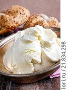 Купить «Fresh mascarpone cheese and crunchy rolls. Healthy food», фото № 21834298, снято 30 марта 2020 г. (c) BE&W Photo / Фотобанк Лори