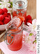 Купить «Raspberry jam. Summer fruit dessert», фото № 21834766, снято 23 сентября 2018 г. (c) BE&W Photo / Фотобанк Лори