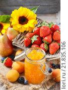 Купить «Jar of peach jam. Healthy food», фото № 21835106, снято 21 мая 2019 г. (c) BE&W Photo / Фотобанк Лори