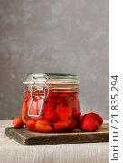 Купить «Strawberry preserves. Healthy fruit dessert», фото № 21835294, снято 25 июня 2019 г. (c) BE&W Photo / Фотобанк Лори