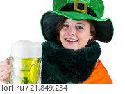 Купить «Pretty brunette celebrating Saint Patricks day», фото № 21849234, снято 20 февраля 2015 г. (c) Wavebreak Media / Фотобанк Лори