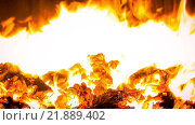 Огонь в топке угольного котла. Стоковое видео, видеограф Слуцкий Александр Сергеевич / Фотобанк Лори