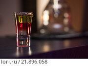 Купить «Напиток на барной стойке», фото № 21896058, снято 2 июля 2015 г. (c) Jan Jack Russo Media / Фотобанк Лори
