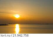 Закат в бухте Золотой рог. Стоковое фото, фотограф Мария Тильда / Фотобанк Лори