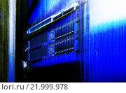 Серверное оборудование и код матрицы. Стоковое фото, фотограф Тимофеев Владимир / Фотобанк Лори