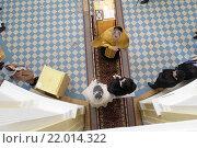 Купить «Балашиха, венчание в Преображенском храме», эксклюзивное фото № 22014322, снято 28 февраля 2016 г. (c) Дмитрий Неумоин / Фотобанк Лори