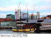 Порт и корабли в Бостоне, США (2015 год). Редакционное фото, фотограф Олеся Рукина / Фотобанк Лори