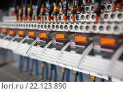Тумблеры в электрическом щитке (2015 год). Редакционное фото, фотограф Василий Вострухин / Фотобанк Лори
