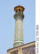Купить «Imam Khomeini Mosque minaret, Tehran, Iran. The mosque is inside the bazaar and it is one of the largest and busiest in Tehran», фото № 22159406, снято 17 июня 2019 г. (c) PantherMedia / Фотобанк Лори