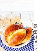 Купить «Домашние пирожки с капустой», фото № 22168938, снято 12 марта 2016 г. (c) Наталья Осипова / Фотобанк Лори