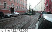 Купить «Трамвай на улице города. Хельсинки, Финляндия», видеоролик № 22172050, снято 25 января 2016 г. (c) Кекяляйнен Андрей / Фотобанк Лори