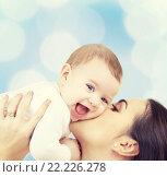 Купить «laughing baby playing with mother», фото № 22226278, снято 22 декабря 2007 г. (c) Syda Productions / Фотобанк Лори