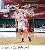 Купить «Баскетбол, Антон Понкрашов с мячом», фото № 22266070, снято 6 ноября 2013 г. (c) Pavel Shchegolev / Фотобанк Лори
