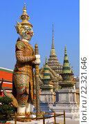 Купить «Скульптура в храме Wat Phra Kaew, Бангкок, Таиланд», фото № 22321646, снято 28 февраля 2016 г. (c) Михаил Коханчиков / Фотобанк Лори