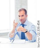 Купить «businessman showing warning gesture», фото № 22339454, снято 9 июня 2013 г. (c) Syda Productions / Фотобанк Лори