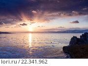 Купить «Закат над зимним озером Байкал», фото № 22341962, снято 7 марта 2016 г. (c) Стивен Жингель / Фотобанк Лори