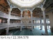 Купить «Интерьер Московской соборной мечети», фото № 22384578, снято 28 марта 2016 г. (c) Владимир Журавлев / Фотобанк Лори