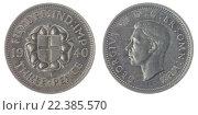 Купить «Монета 3 пенса 1940 года, изолировано на белом фоне, Великобритания», фото № 22385570, снято 12 ноября 2012 г. (c) Ростислав Агеев / Фотобанк Лори