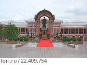 Купить «Таиланд. Бангкок. Памятник.», фото № 22409754, снято 11 августа 2015 г. (c) Евгений Тиняков / Фотобанк Лори