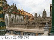 Купить «Таиланд. Бангкок. Королевский дворец.», фото № 22409770, снято 11 августа 2015 г. (c) Евгений Тиняков / Фотобанк Лори