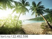 Закат на пляже Takamaka, остров Маэ, Сейшельские острова. Стоковое фото, фотограф Iakov Kalinin / Фотобанк Лори