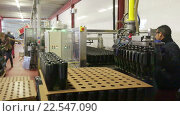 Купить «CASABLANCA, SPAIN - JANUARY 14, 2016: Sparkling wine pouring in bottles. Sumarroca - Brand cava sparkling wine produced in Catalonia», видеоролик № 22547090, снято 14 января 2016 г. (c) Яков Филимонов / Фотобанк Лори