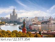 Купить «Панорама Москвы, вид сверху», фото № 22577354, снято 3 августа 2015 г. (c) Наталья Волкова / Фотобанк Лори