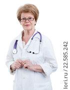 Купить «Заведующая поликлиникой женщина врач, портрет, изолировано на белом фоне», фото № 22585242, снято 26 марта 2016 г. (c) Кекяляйнен Андрей / Фотобанк Лори