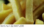 Купить «Картофель фри», видеоролик № 22607230, снято 12 апреля 2016 г. (c) ActionStore / Фотобанк Лори