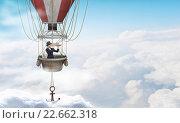 Купить «Woman traveling in aerostat», фото № 22662318, снято 20 марта 2019 г. (c) Sergey Nivens / Фотобанк Лори