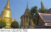 Купить «Храмы в Большом дворце Бангкока», видеоролик № 22672702, снято 28 февраля 2016 г. (c) Михаил Коханчиков / Фотобанк Лори