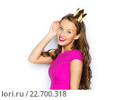 Купить «happy young woman or teen girl in princess crown», фото № 22700318, снято 31 октября 2015 г. (c) Syda Productions / Фотобанк Лори