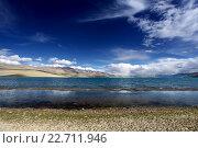 Купить «Горный пейзаж с озером в Гималаях», фото № 22711946, снято 8 сентября 2011 г. (c) Татьяна Белова / Фотобанк Лори